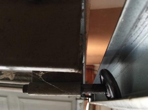Broken Rollers & Garage Door - Services - Alpha Doors pezcame.com